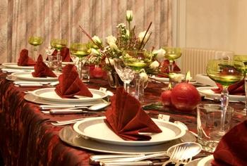 Come preparare una tavola natalizia - Addobbi natalizi per tavola da pranzo ...